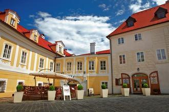 Hotel Bellevue Český Krumlov 46385806