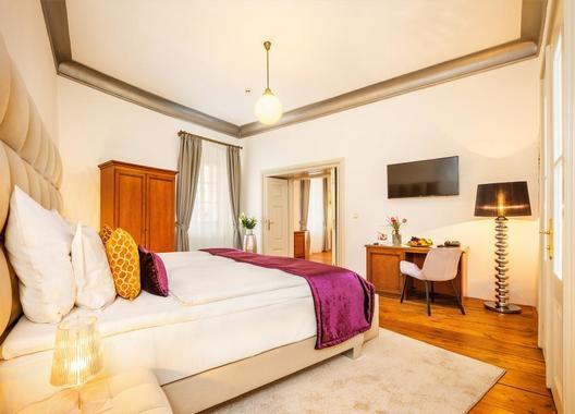 BELLEVUE-HOTEL-ČESKÝ-KRUMLOV-8