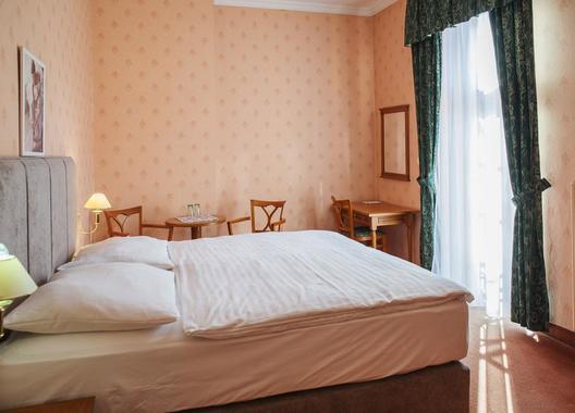 ROMANTIK-HOTEL-ELEONORA-11