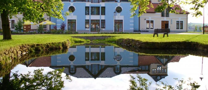 DAROVANSKÝ DVŮR RESORT, KONGRES & GOLF HOTEL Břasy