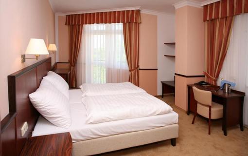 Hotel Royal 1153653559