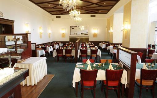 Hotel Royal 1153653593