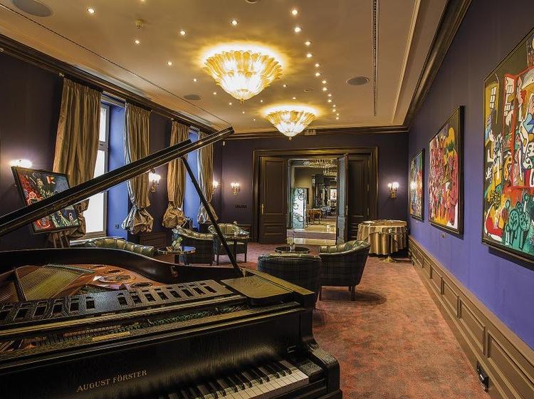 Le Palais Art Hotel Praha Milos Reindl resting area 2