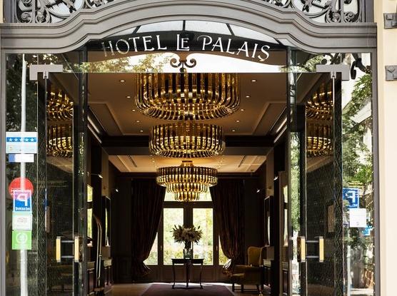 Le Palais Art Hotel Praha Vstup do hotelu