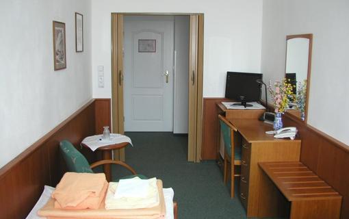Lázeňský hotel Kijev 1-lůžkový pokoj