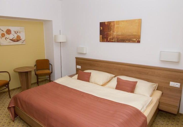 Hotelový pokoj 2L