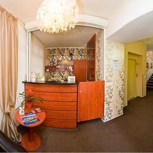 Hotel & apartments U Černého orla