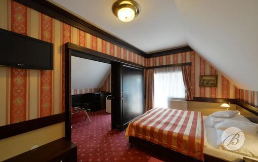 HOTEL BERG 1154200923