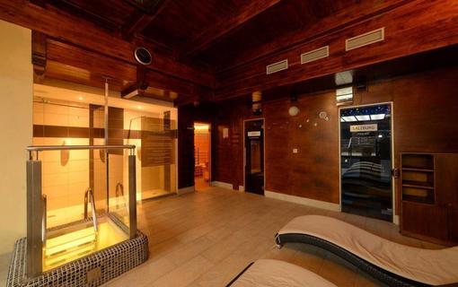 HOTEL BERG 1154200929