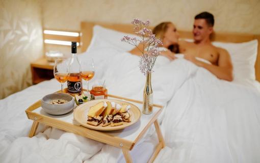 Hotel Akademie Velké Bílovice Family Suite - snídaně do postele