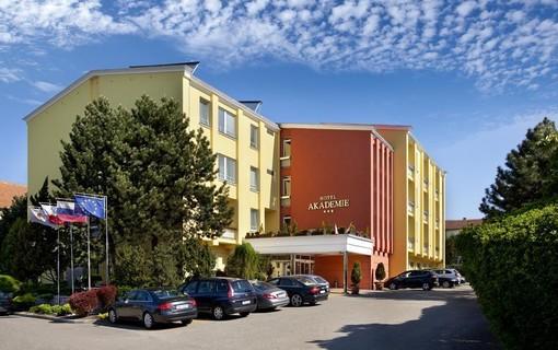 Dámská jízda na Moravě-Hotel Akademie Velké Bílovice 1156063699