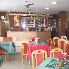 Restaurace s letní terasou