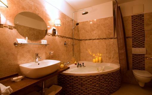 AMBIENTE WELLNESS & SPA HOTEL 1155028581