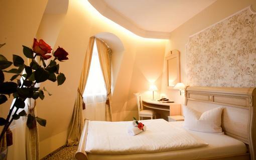 AMBIENTE WELLNESS & SPA HOTEL 1155028567