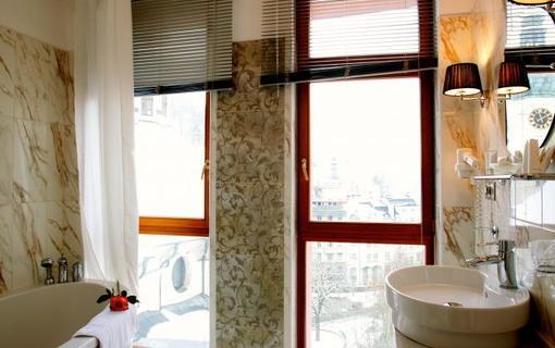 AMBIENTE WELLNESS & SPA HOTEL 1155028583