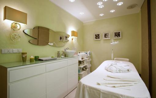 AMBIENTE WELLNESS & SPA HOTEL 1155028595