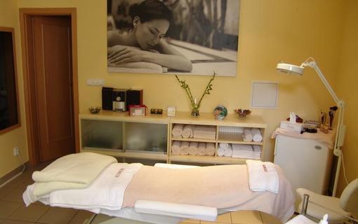 AMBIENTE WELLNESS & SPA HOTEL 1155028601