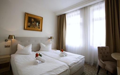 AMBIENTE WELLNESS & SPA HOTEL 1155028605