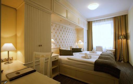 AMBIENTE WELLNESS & SPA HOTEL 1155028569