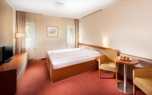 Hotel REZA 1152579899