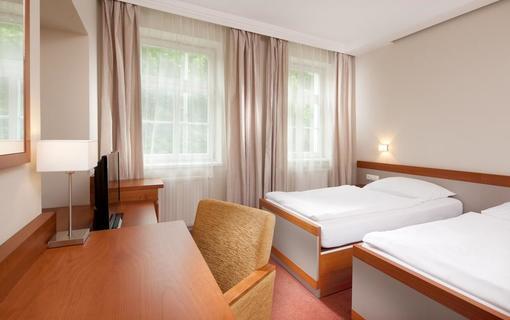 Hotel REZA 1152579903