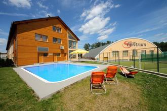 S-centrum-Benešov-pobyt-Letní pobyt s polopenzí, bowlingem i bazénem