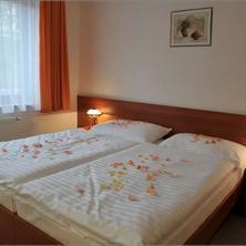 Alexis Praha 38925430