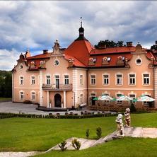 HOTEL zámek BERCHTOLD Kunice