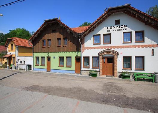 Penzion-Černý-sklep-1