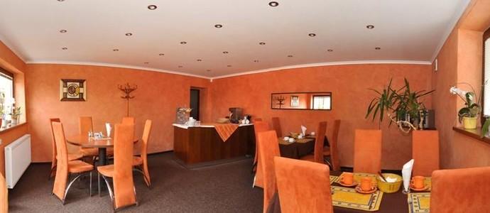 Hotel U Zlatého býka Písek 47257178