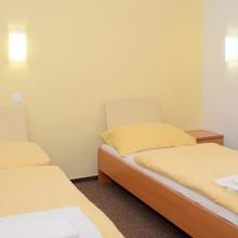 HOTEL IMOS PRAHA 1123365560