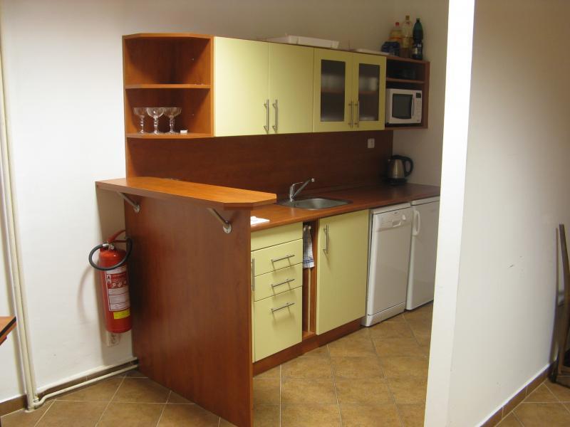 Kuchyňka v zasedací místnosti