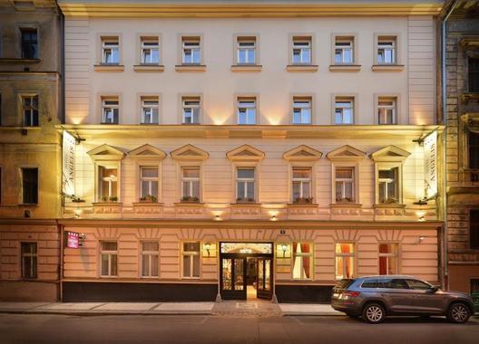 Hotel-Angelis-1