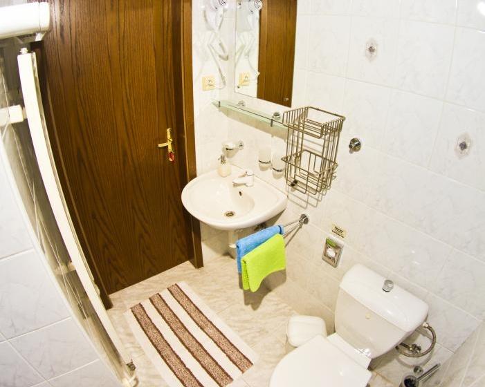 Koupelna dvoulůžkového pokoje č.3