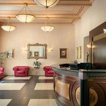 Hotel Caesar Prague Praha 44844914