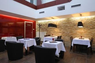 Caramell hotel&cafe Louny 33542982