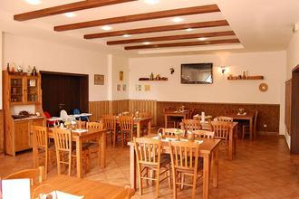Restaurace a Penzion U Kostela Újezd u Brna 46673440