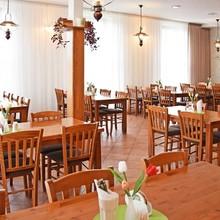Restaurace a Penzion U Kostela Újezd u Brna 1118795402