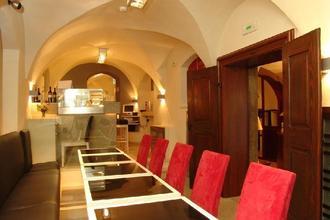 HOTEL U ZLATÉHO KOLA Praha 42461332