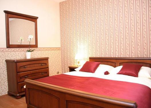 Hotel-Elegance-2