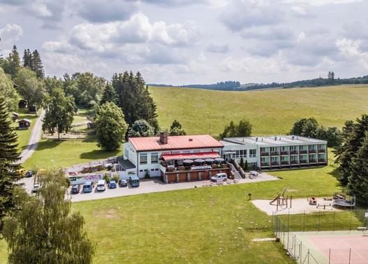 HOTEL-RACEK-2