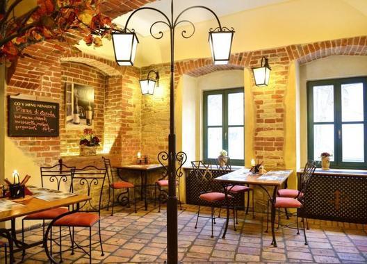 Hotel-a-restaurant-VIA-IRONIA-28