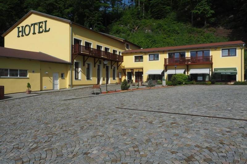 Hotel a Restaurant Výpřež 2