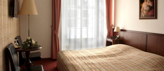 Hotel Garni Zámek Dobříš 1133313367
