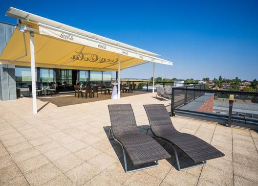 hotel-dolphin_vyhliadka-s-terasou-3