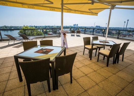hotel-dolphin_vyhliadka-s-terasou-5