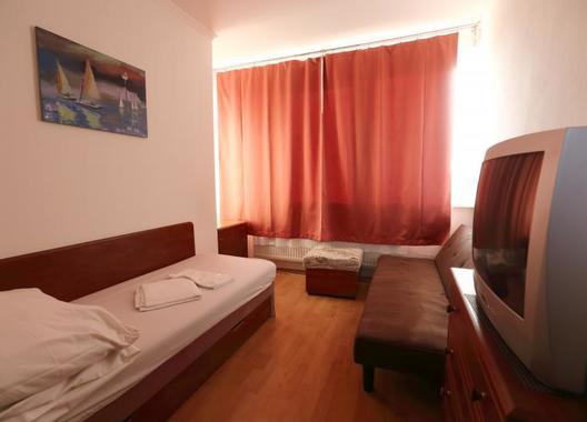Hotel-Nostalgia-14
