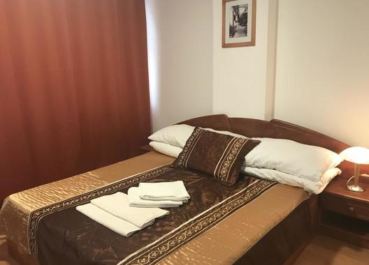 Hotel-Nostalgia-7