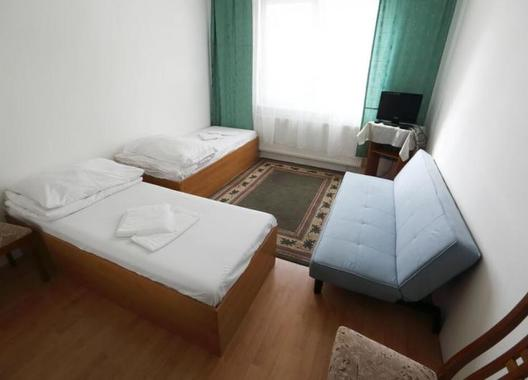 Hotel-Nostalgia-18