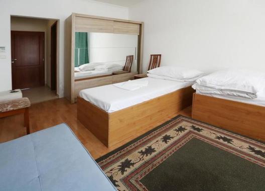 Hotel-Nostalgia-17